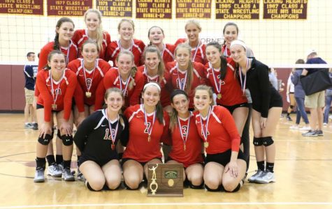 Volleyball goes back to back in District Championships
