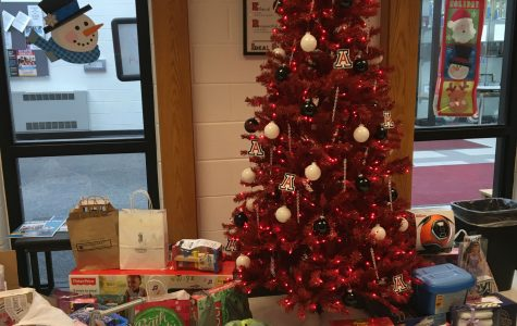 Students and Staff get in the Christmas Spirit