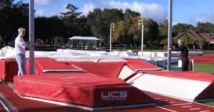 Track to implement Pole Vault