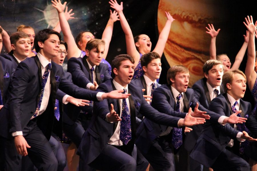 Jonathan Alder High Society Show Choir performing their 2019 show.