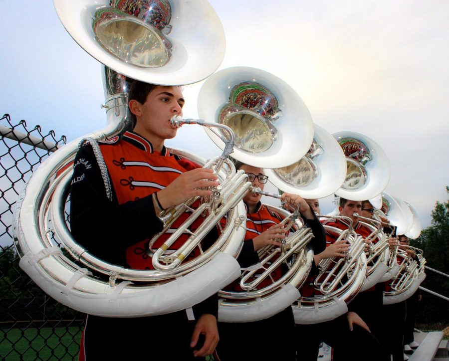 Sousaphone+section+playing+pep+tunes