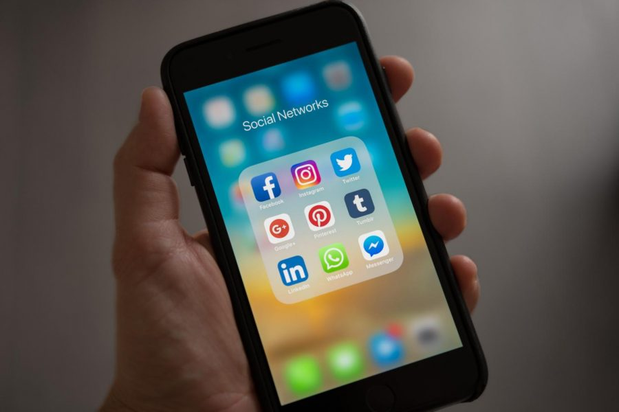 Social Medias Increasing Effect on Teen News